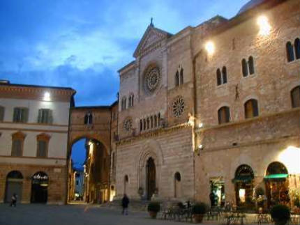 Foligno, art and history